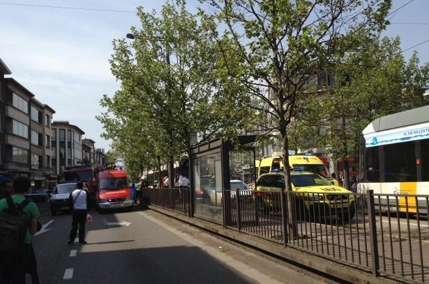 Man komt onder tram terecht in Mortsel: slachtoffer overleden