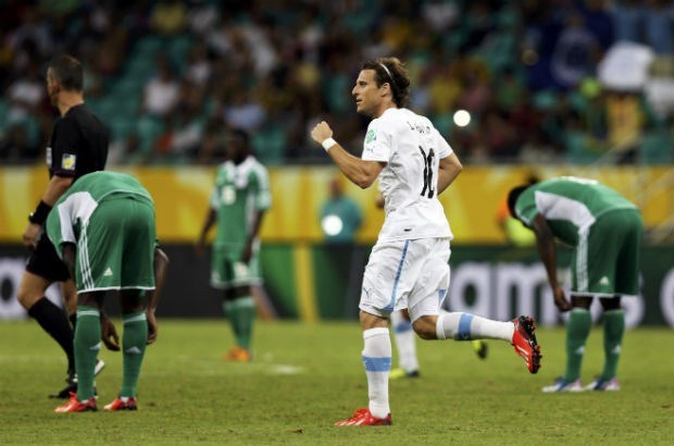 Uruguay legt Nigeria over de knie op Confederations Cup