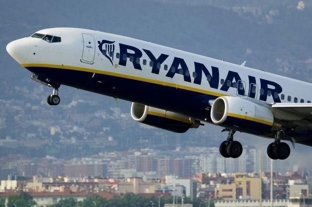 Elektronische apparatuur mag binnenkort langer aan in het vliegtuig