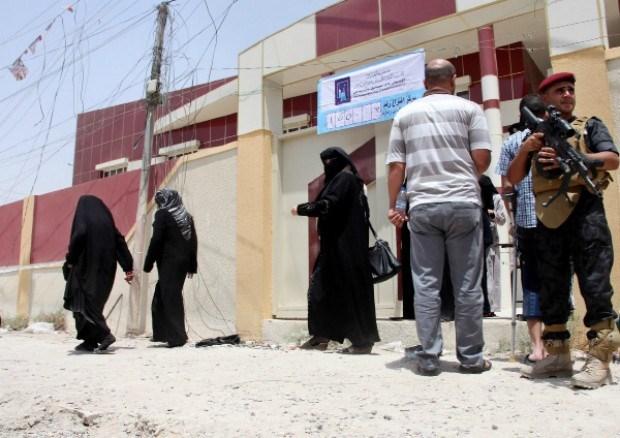 Kamikaze doodt acht mensen bij verkiezing in Irak