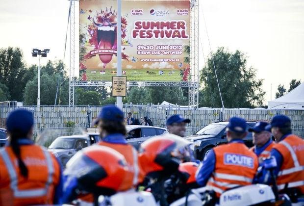 Agenten in cel na wangedrag op Summerfestival