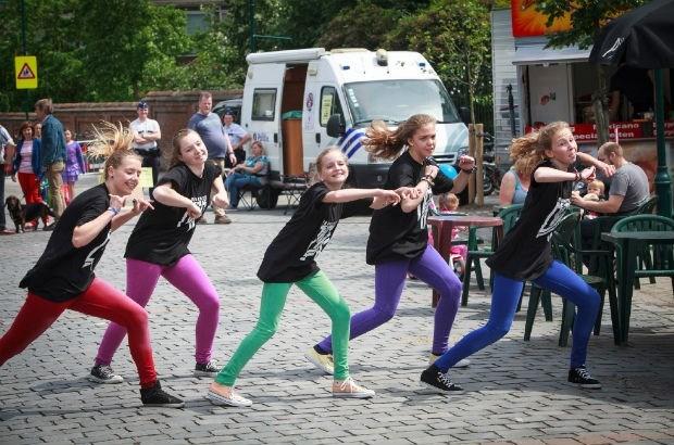 Nieuwe dansstudio geeft demo op braderie