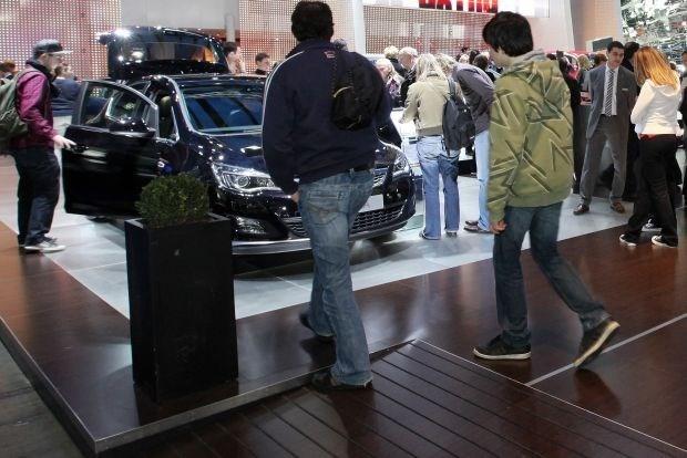 Tien procent minder auto's ingeschreven