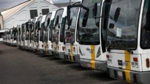 Senioren protesteren in Brussel tegen afschaffing gratis openbaar vervoer