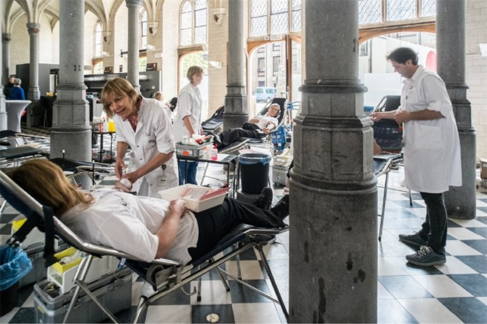 Stadspersoneel doneert bloed