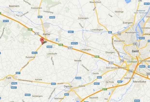 Gekantelde vrachtwagen in Aalter geladen met explosief gas