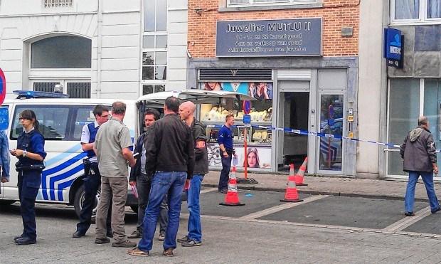 Parket verlengt aanhouding derde verdachte overval Ledeberg