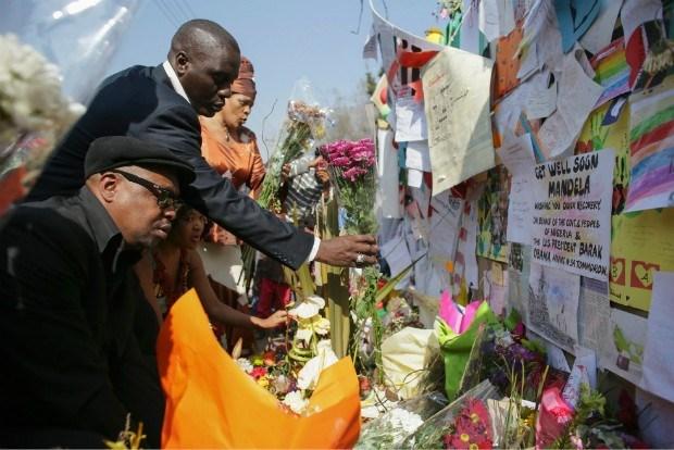 Zuid-Afrikanen wijten Mandelas ziekte aan dispuut over graf
