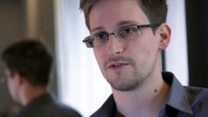 Snowden vraagt officieel asiel aan in Rusland