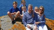 Koning Filip met vakantie in Frankrijk (video)
