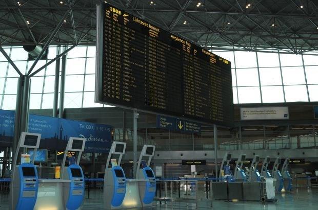 Finse luchtverkeersleiders leggen het werk neer