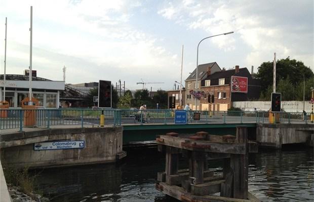 Tijdelijk eenrichtingsverkeer op Colomabrug