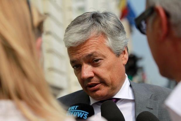 Reynders tevreden met evenwichtige reactie EU op Egyptische toestand