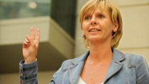 Ambtenaren moeten gebarentaal gebruiken tegen Franstaligen