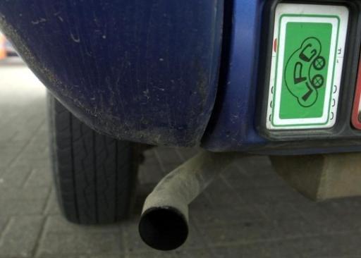 Op jaar tijd bijna 15 procent minder personenwagens op gas in België