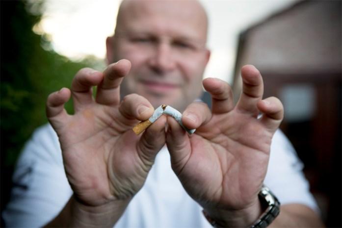 Radiodeejay breekt laatste sigaret