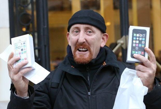 Eerste iPhone 5S verkocht in Parijs