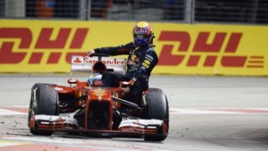 Alonso en Webber gestraft voor 'taxiritje' in Singapore (video)
