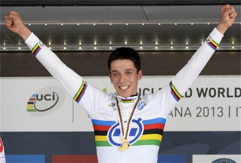 Decraene pakt WK-goud voor België in tijdrit voor junioren: www.gva.be/sport/wielrennen/aid1459140/decraene-wk-goud-voor-belgie...