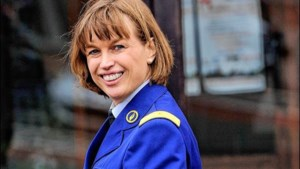 Milquet wil baas van 12.000 agenten minder laten verdienen dan chef van 120