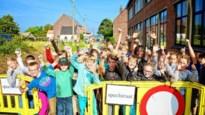 School laat kinderen noodgedwongen op straat spelen