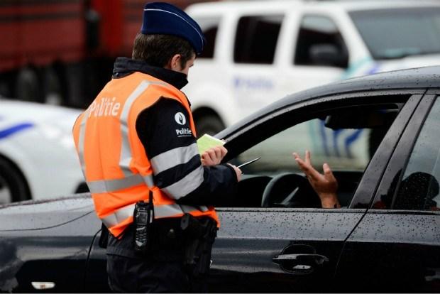 Nederlandse nepagenten viseren Belgische auto's