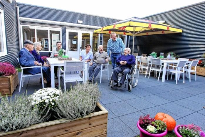 Bewoners Sint-Vincentius blij met nieuwe binnentuin