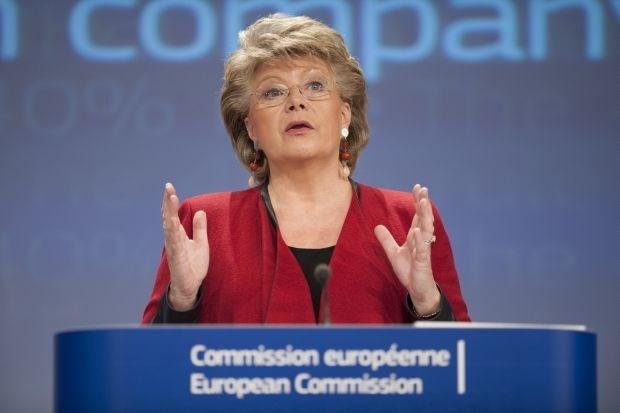 """""""Afluisterschandaal kan gevaar betekenen voor vrijhandelsgesprekken tussen VS en EU"""""""