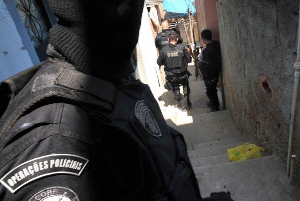 Braziliaanse agente vindt hoofd echtgenoot in rugzak