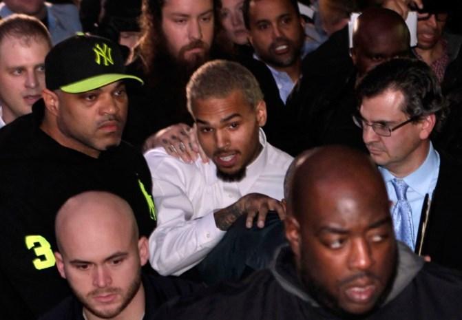 Chris Brown naar afkickkliniek