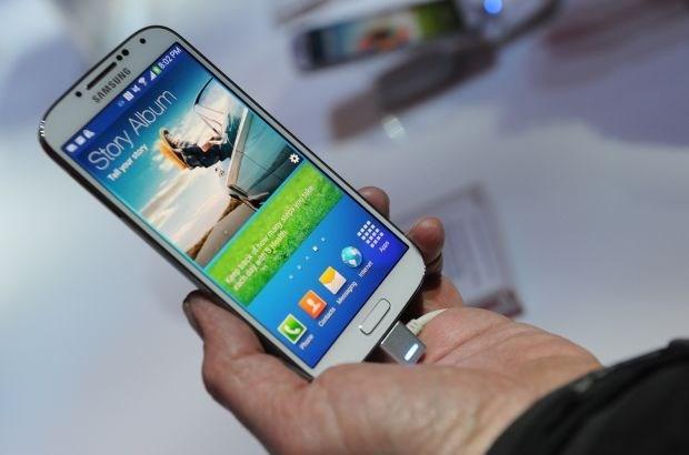 Samsung plant Galaxy-smartphone met geplooid display