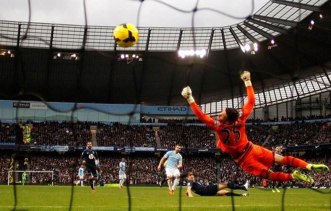 Manchester City rolt Tottenham Hotspur op