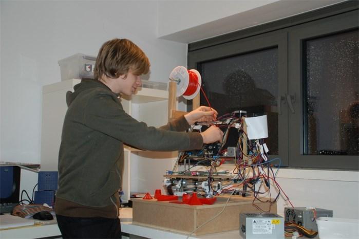 Vijfdejaars elektromechanica bouwt 3D-printer
