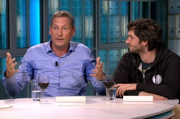 Gert Verhulst met gigantische okselvijvers op televisie