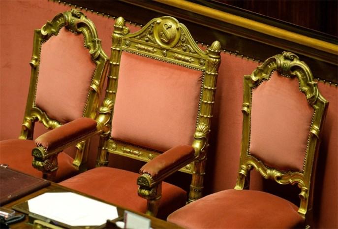 Italiaanse senaat start debat over verwijdering Berlusconi
