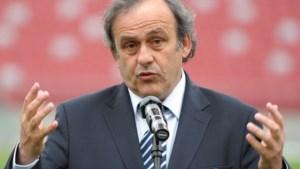 Platini wil tijdelijke uitsluiting in plaats van gele kaart