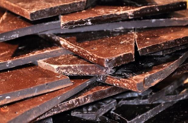 Vrachtwagen met 87.000 euro chocolade gestolen