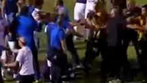 Negen spelers aangehouden na vechtpartij tijdens Uruguayaanse Clasico (video)