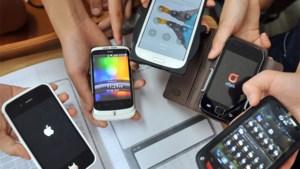 Bijna miljard smartphones verkocht in 2013
