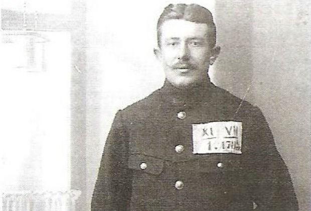 Gekwetste Corneel Verbeeck afgevoerd als krijgsgevangene