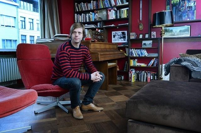 Felix Van Groeningen tekent bij topbureau