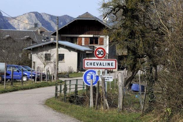 Verdachte Alpenmoord blijft in cel voor wapenhandel