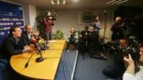 Mario Been krijgt applaus van spelers en journalisten