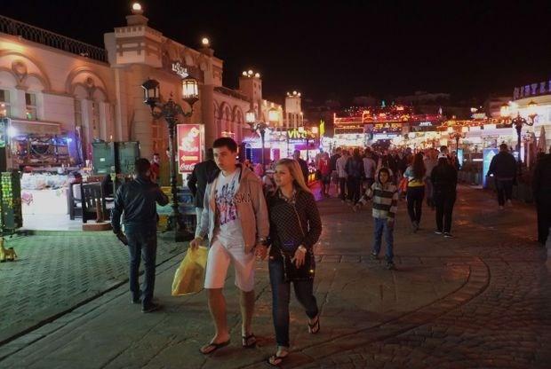 Nederland haalt toeristen terug uit Egypte