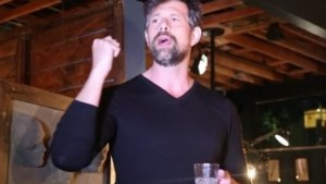 Johan Heldenbergh bedankt crew in Hollywood (video)