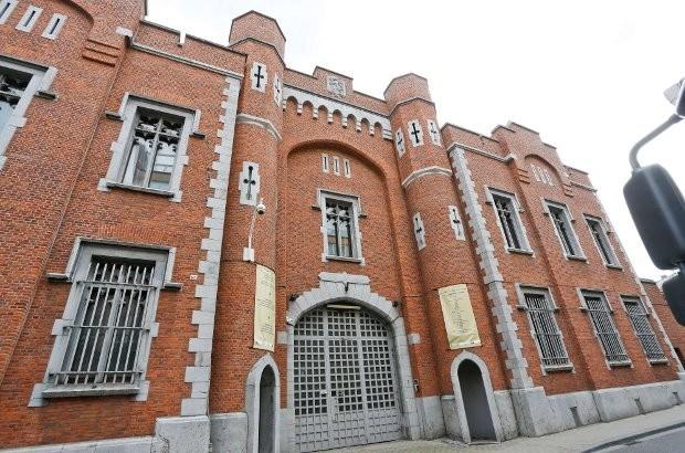 Gedetineerden vallen cipiers aan in Leuvense Hulpgevangenis