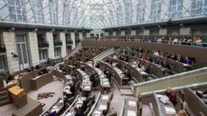 7 miljoen aan vertrekpremies voor 42 parlementsleden