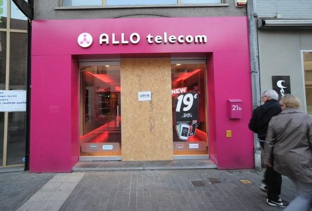 Telefoonwinkel geplunderd in Mol