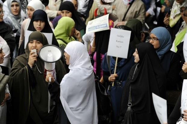 Geen hoofddoekenverbod in secundair onderwijs