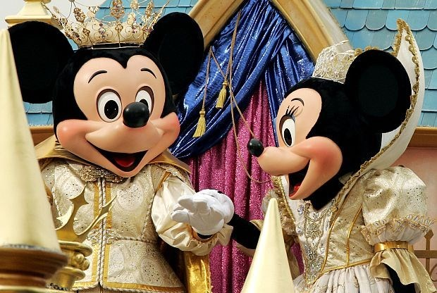 Onschuldige gevangene komt na 25 jaar vrij dankzij Disney World-ticketje
